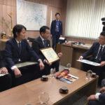 『ハウス・オブ・ザ・イヤー・イン・エナジー2016優秀賞』受賞のご報告に『eco住研ひろさき』5社揃って弘前市役所を表敬訪問いたしました。